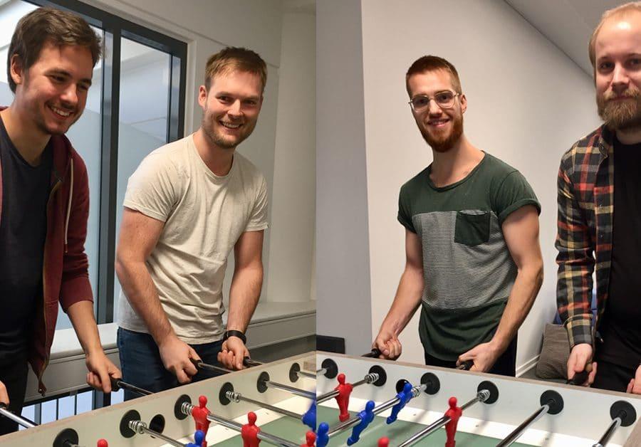 HR-ONs praktikanter spiller bordfodbold